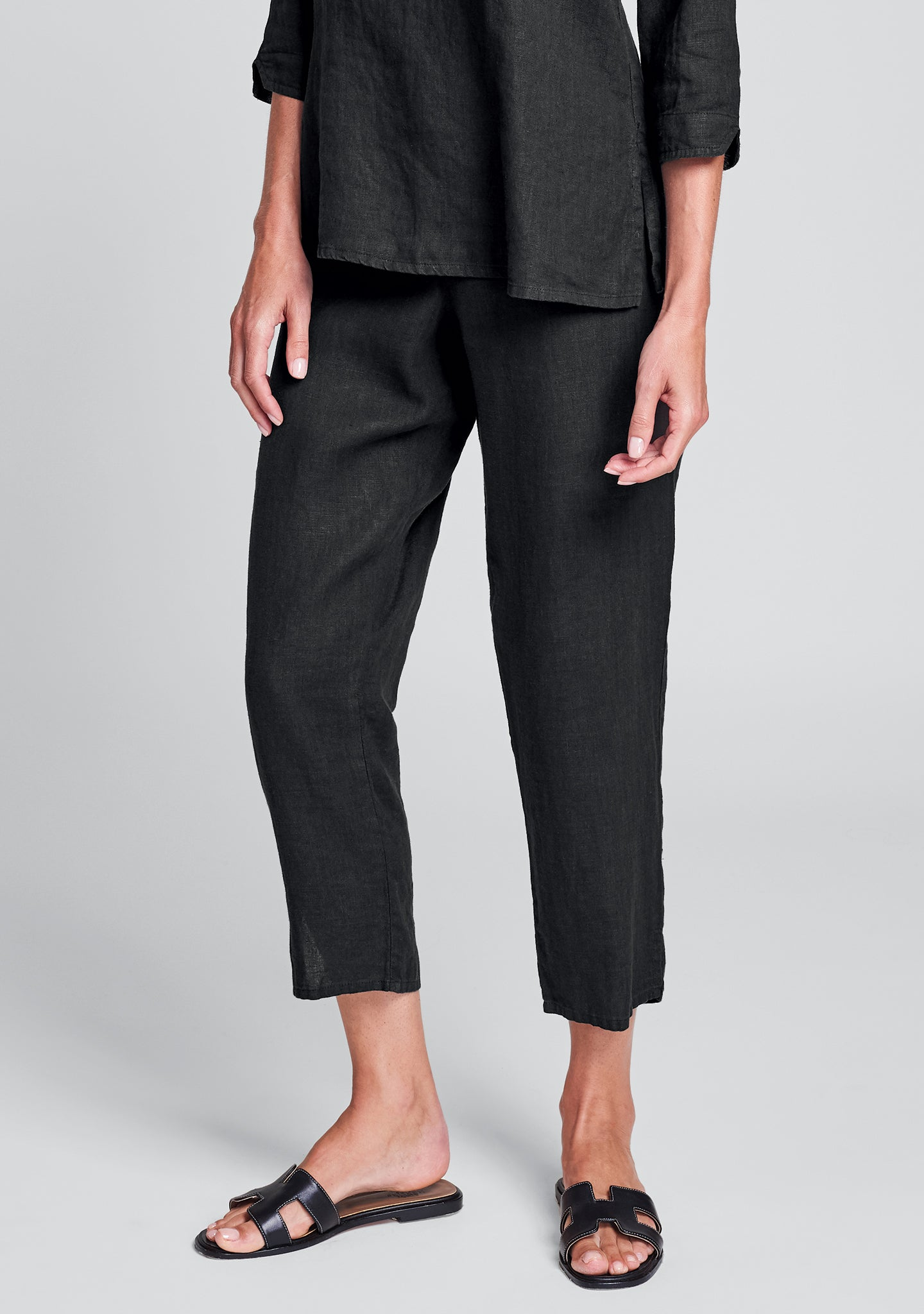 pocketed ankle pant linen pants black