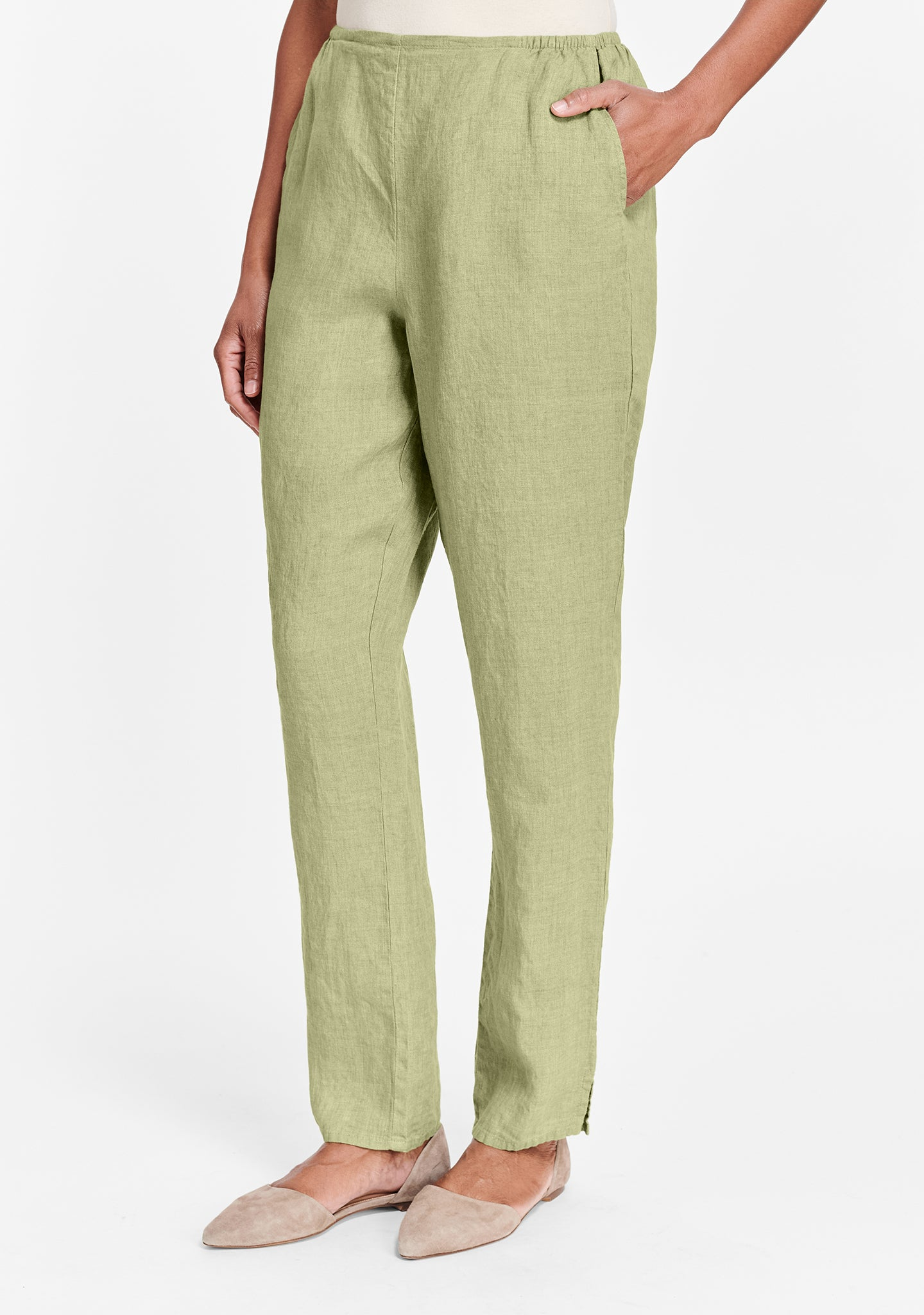 pocketed social pant green