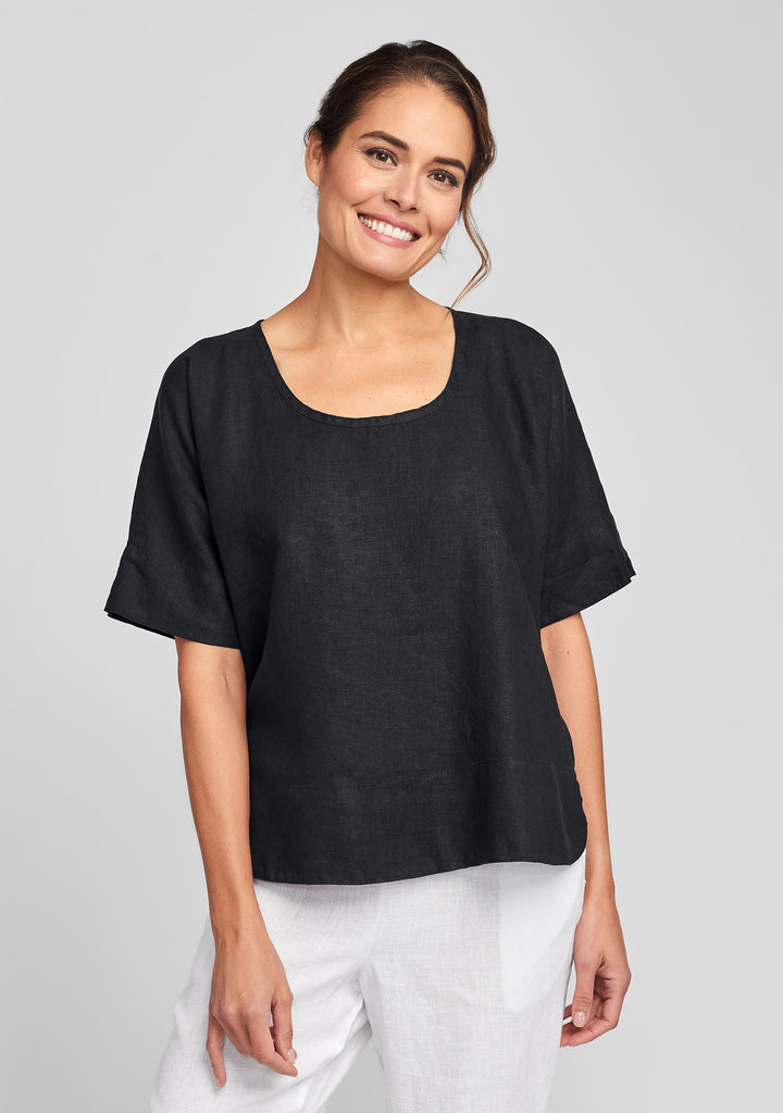 sage top linen shirt black