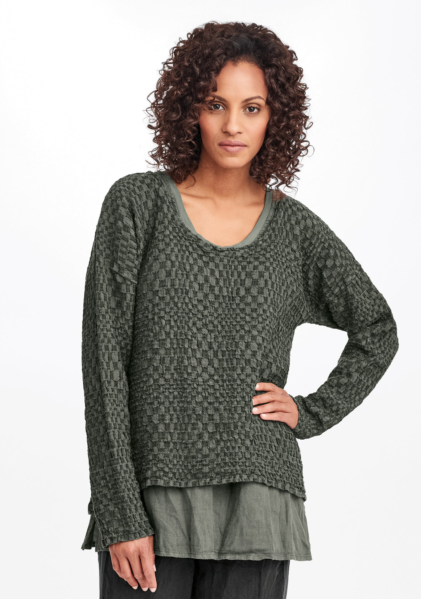 whispy pullover green