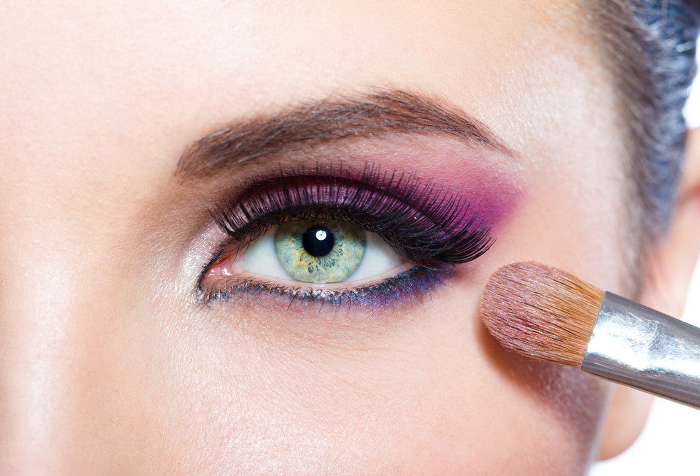 Makeup Tips for Color Contacts