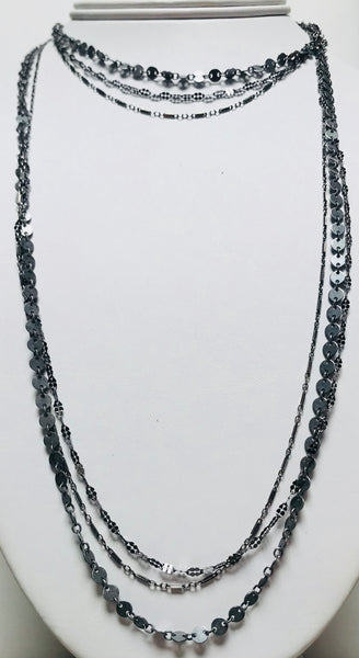 Unsworth triple chain necklace