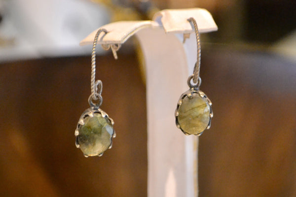 Kussano Earrings - The Little Green Store and Gallery