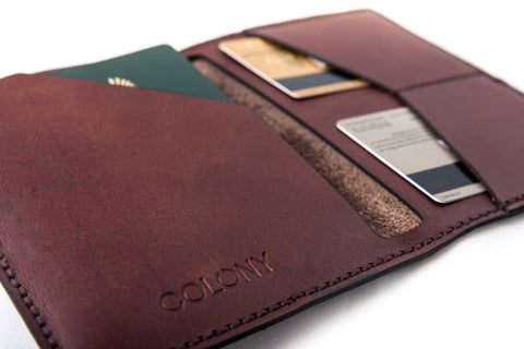Passport Wallet / Dark-Brown