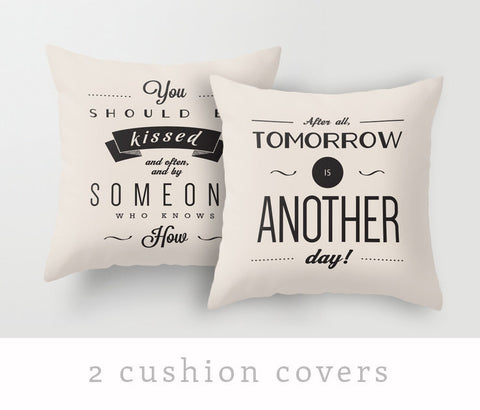Set of 2 Gone with the wind cream cushions - Latte Design  - 1