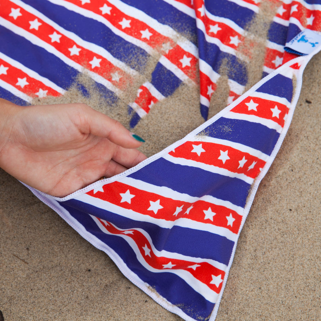 Fun n' Sun Stars and Stripes Beach+Picnic Blanket