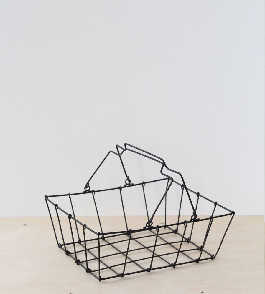 WIRE GROCERY BASKET