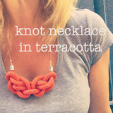 KNOT NECKLACE IN NAVY