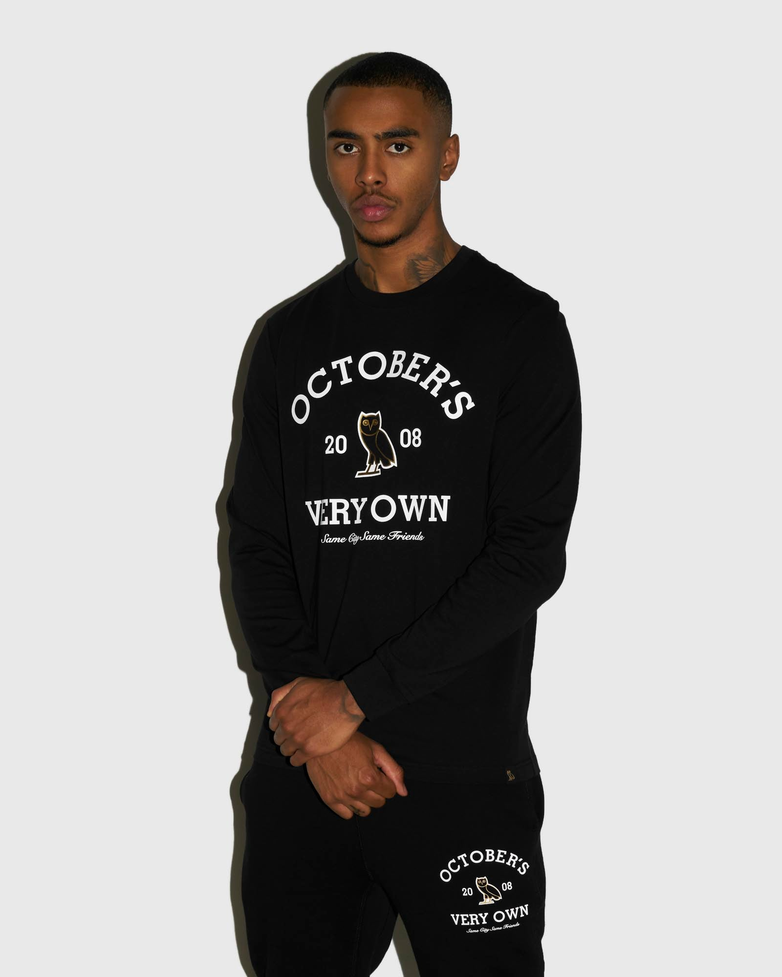 COLLEGIATE ARCH LONGSLEEVE T-SHIRT - BLACK IMAGE #2