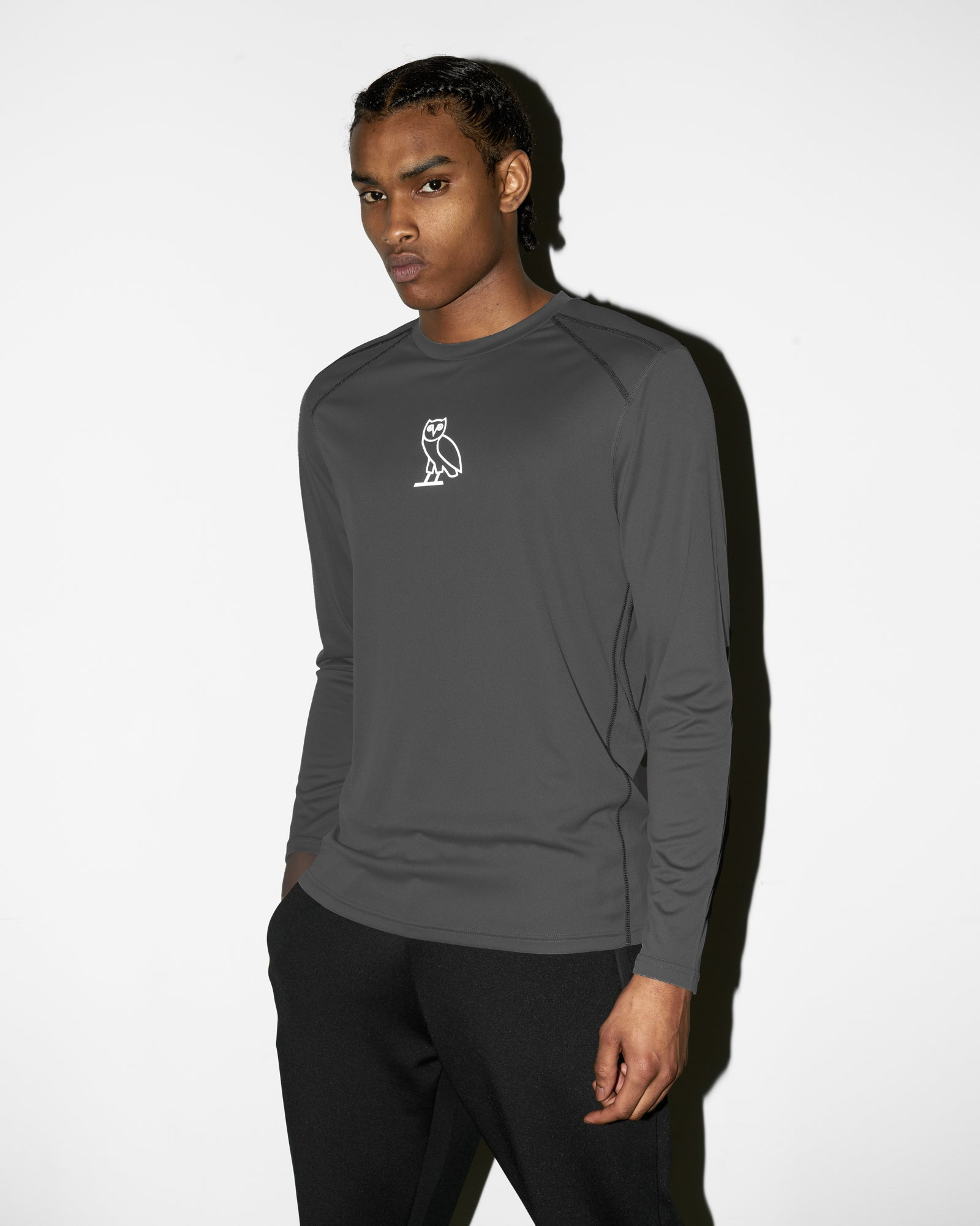 OVO OWL PERFORMANCE LONGSLEEVE T-SHIRT - GREY