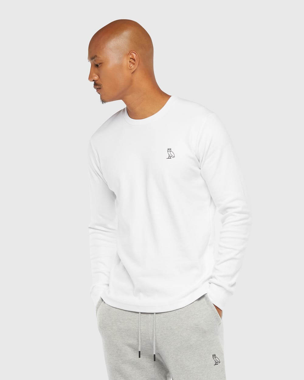 OVO ESSENTIALS LONGSLEEVE T-SHIRT - WHITE