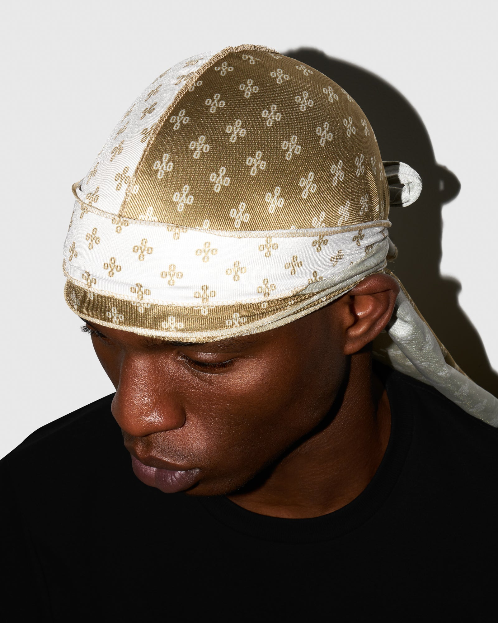 OVO x SO MANY WAVES™ MONOGRAM DURAG - WHITE/GOLD IMAGE #2