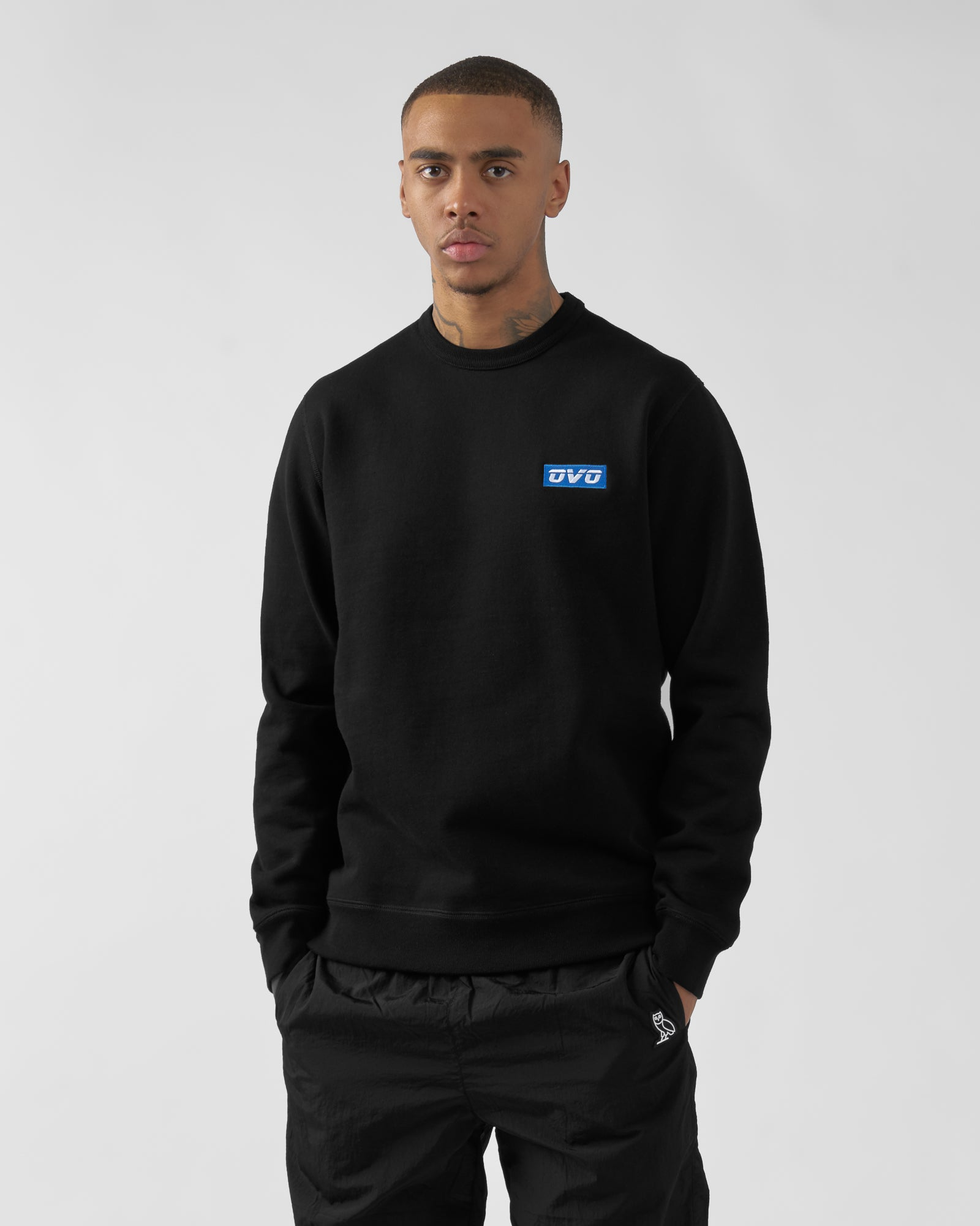 EMBROIDERED RUNNER LOGO CREWNECK - BLACK IMAGE #2