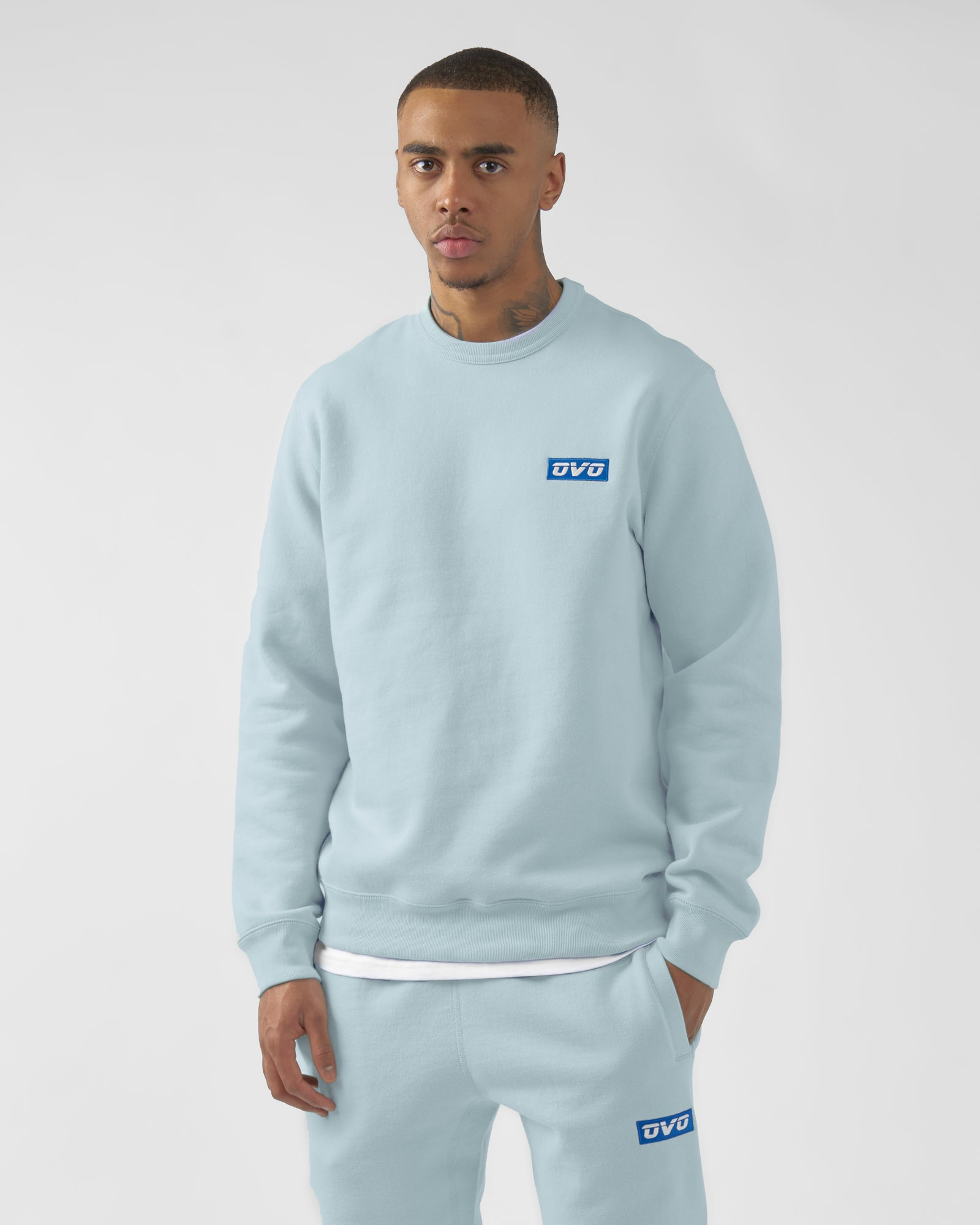 EMBROIDERED RUNNER LOGO CREWNECK - DUSTY BLUE IMAGE #2