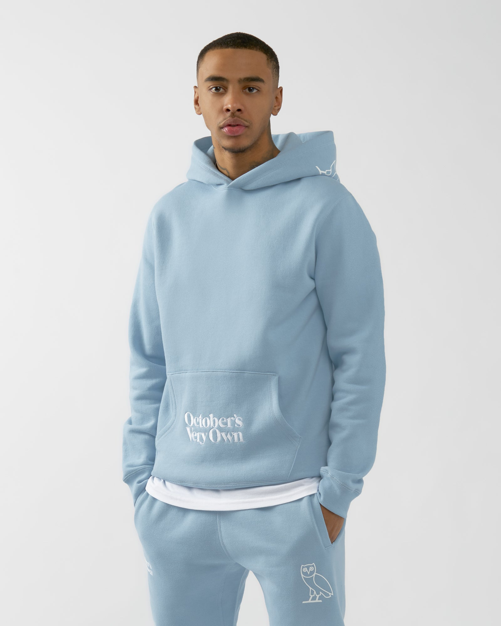 FAMILIA EMBROIDERED POCKET HOODIE - SKY BLUE IMAGE #3