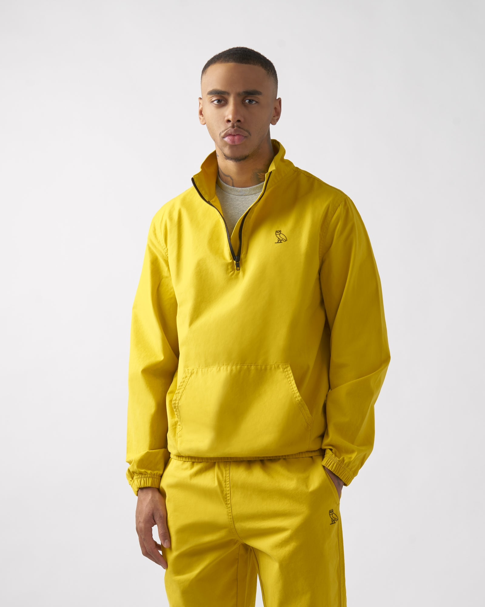 LIGHTWEIGHT WOVEN PULL OVER - YELLOW IMAGE #2