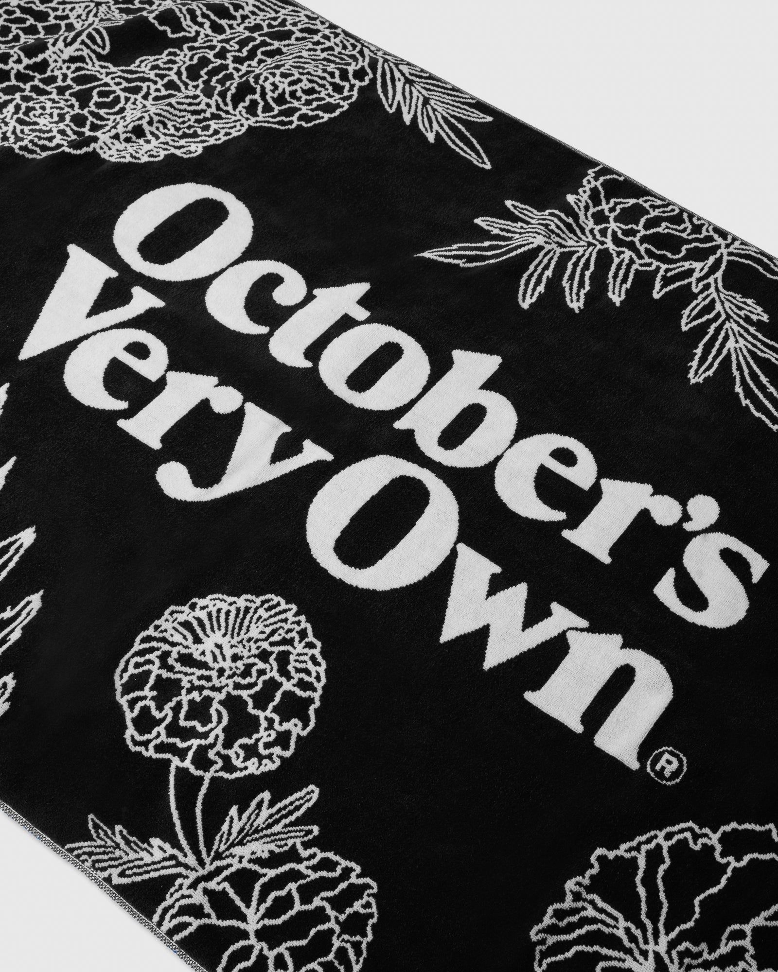 MARIGOLD BEACH TOWEL - BLACK IMAGE #2