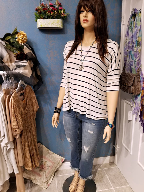 Plus Size Stripe 3/4 Sleeve Knit Top
