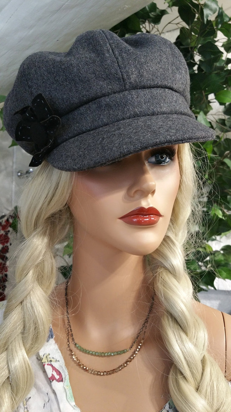 Cabby Newsboy Hat with Flower Deco
