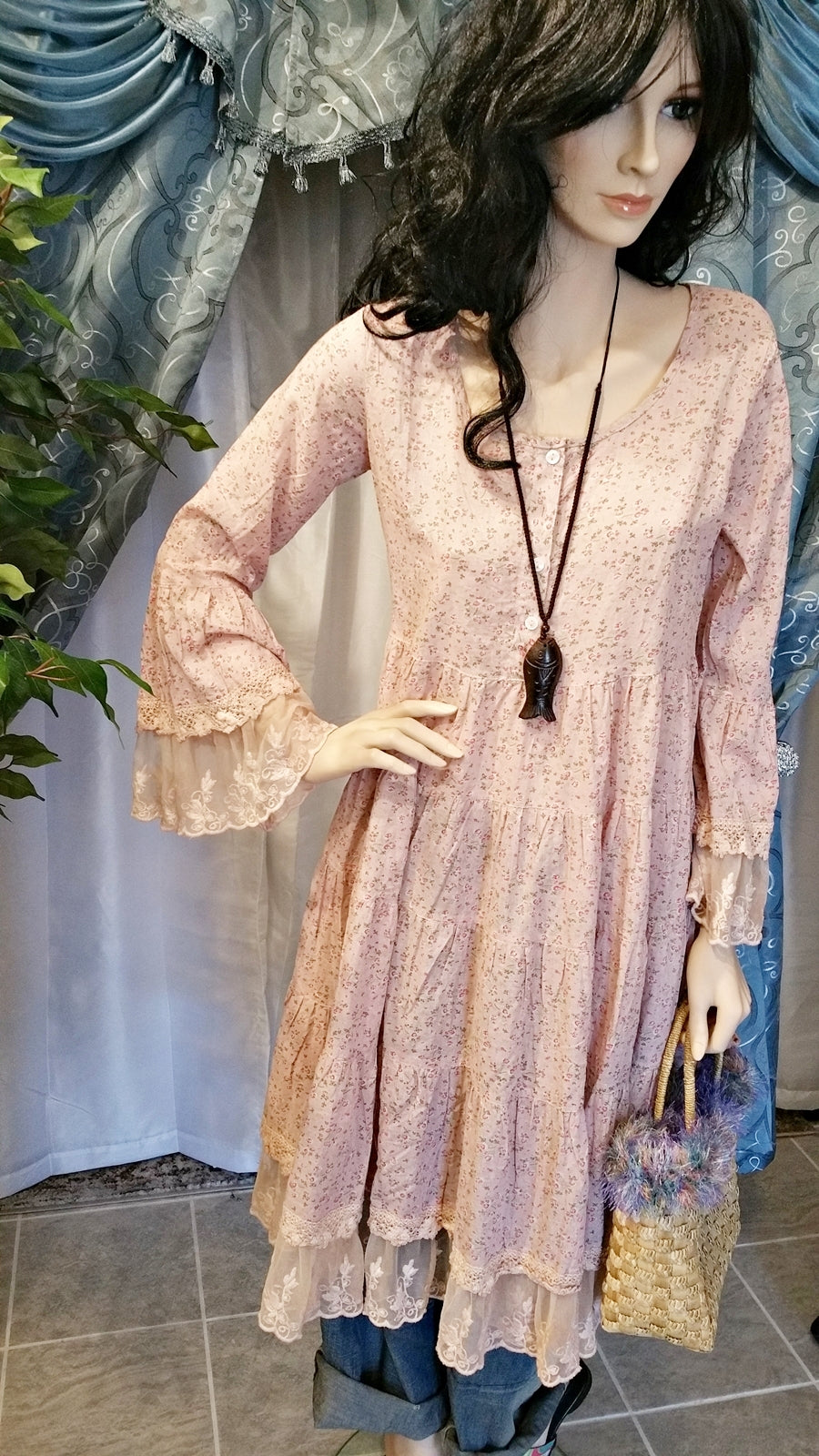 Romantic Floral Pink Boho Vintage Dress with Long Sleeves