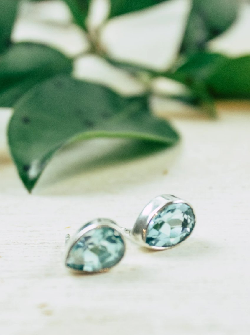 Sublime Gem Teardrop Posts
