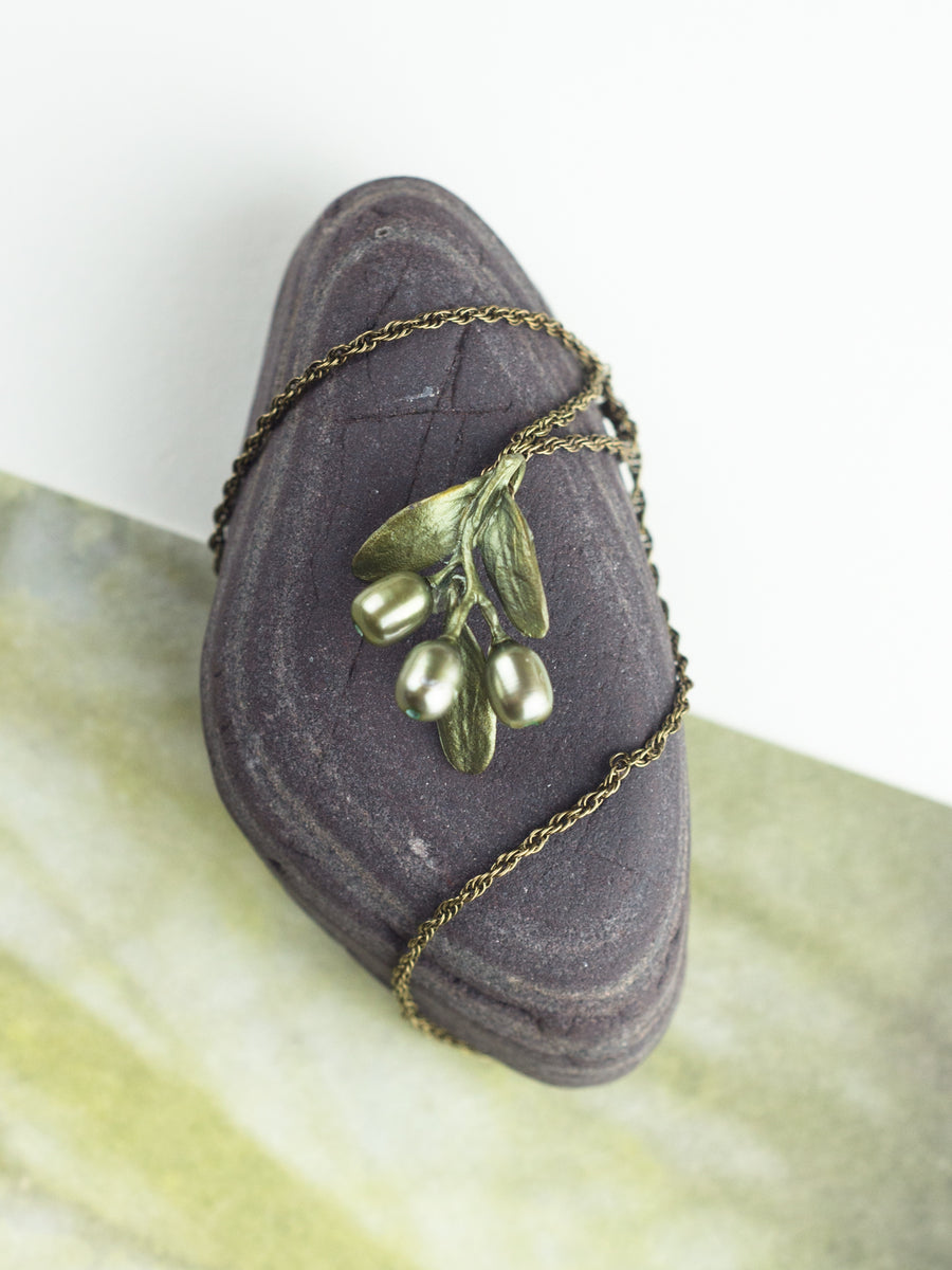 Olive Pendant Necklace