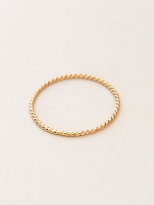Tiny Twist Ring