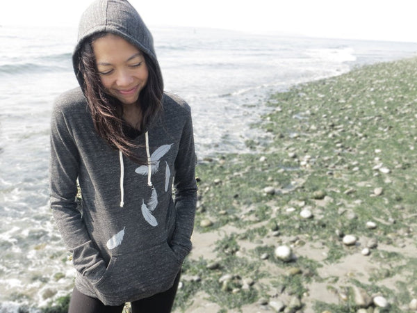 Lightweight Hoodie with Falling Feathers - Eco Heather Black