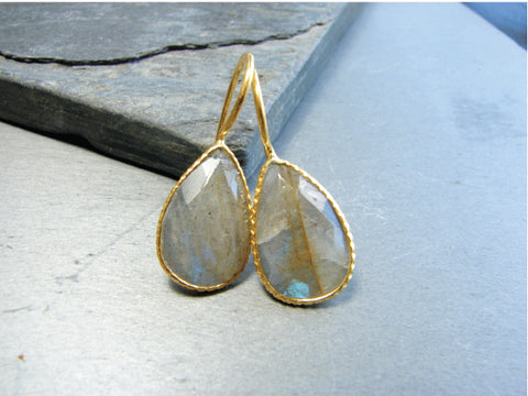 Labradorite Pear Shaped Earrings - Fantasy Creativity - Pranajewelry