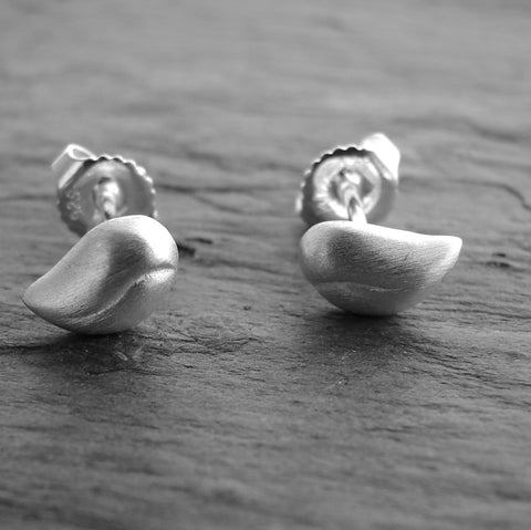 Seedling Silver Brushed Silver Earrings - Simply Beauty - Pranajewelry - 1