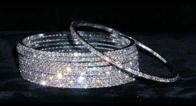 15094 Single Rhinestone Bangle
