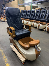 Load image into Gallery viewer, Massage Chair Shiatsulogic - 95% like new - Please contact us for exactly shipping quote 704 490 3934