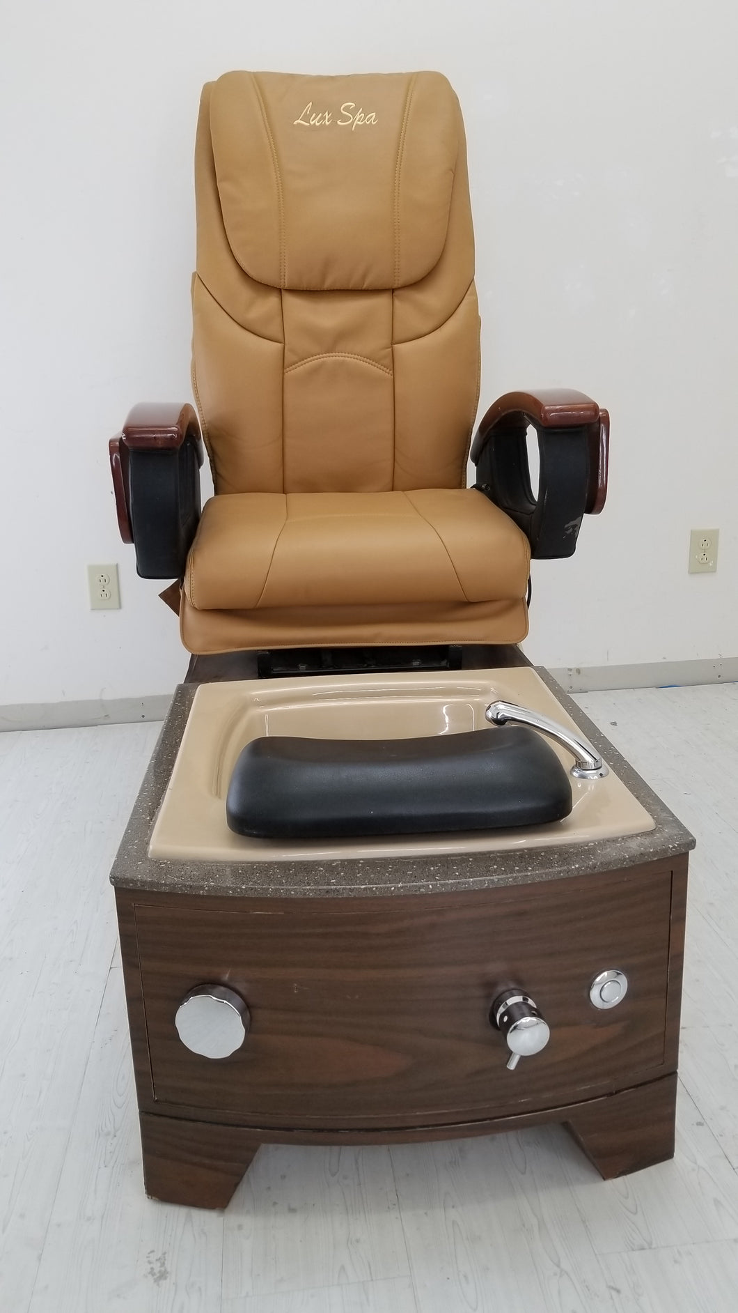 Renewed pedicure chair - Call or text us for shipping quote 7044903934