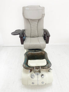 4TP5 Pedicure Nail Chair + Excellent Condition + Magnet Jet + New ArmRests + New leather Acetone resistance + Air vent included - Call or text us for shipping quote 704 490 3934