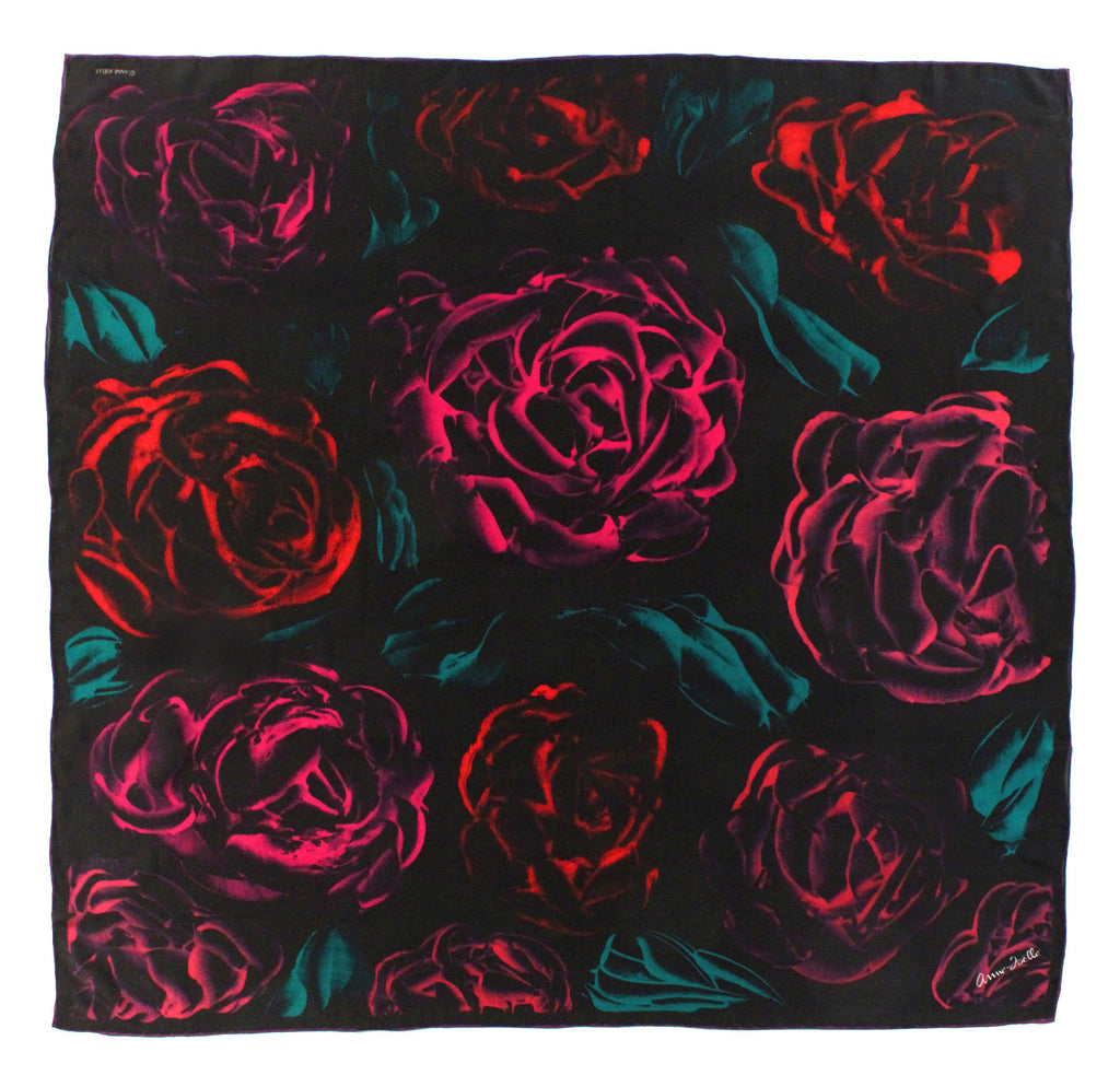 Le Foulard 'Roses on Black' (Limited Edition)