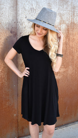 V-Neck Pocket Dress - Black
