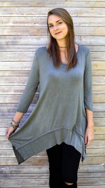 Washed Jersey Tunic- grey 3/4 length high-low shirt with v-cut neckline