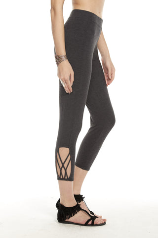 STRAPPY SIDE VENT CROPPED LEGGING