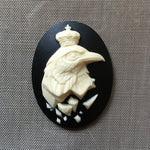 Royalty bird in crown Cameo - 40x30mm
