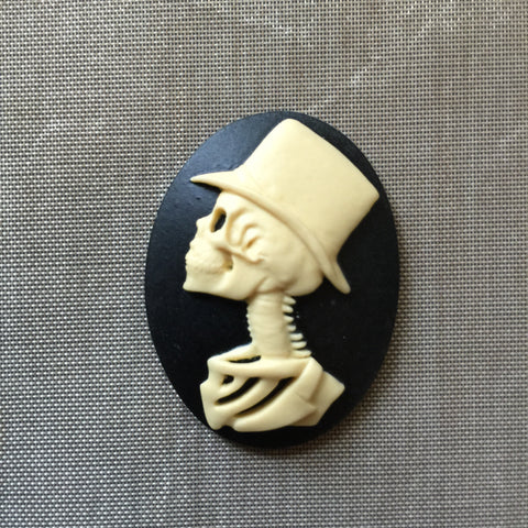 Skeleton Groom cameo - 40x30mm - 1pc (TomorrowsUnknown Original)