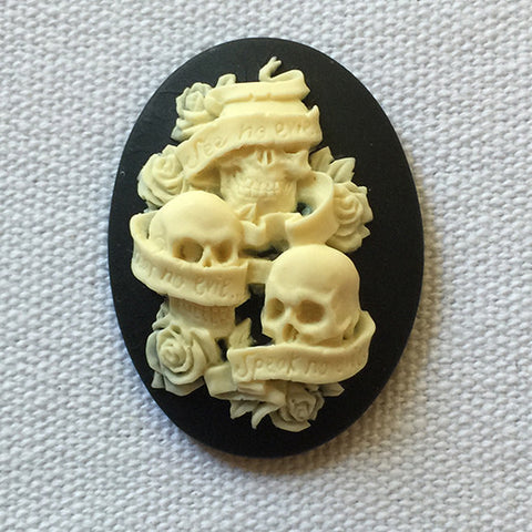 See no evil hear no evil speak no evil skulls cameo - 40x30mm