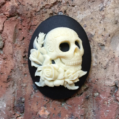 Day of the Dead Skull  and Roses Cameo - 40x30mm - wedding jewelry