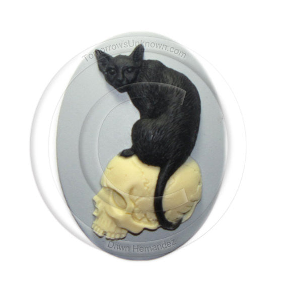 Cat on skull cameo - 40x30mm - (TU Original Design)