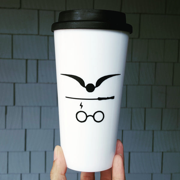 "Harry Potter Design ""Snitch, Wand & Scar"" - Travel Coffee Mug"