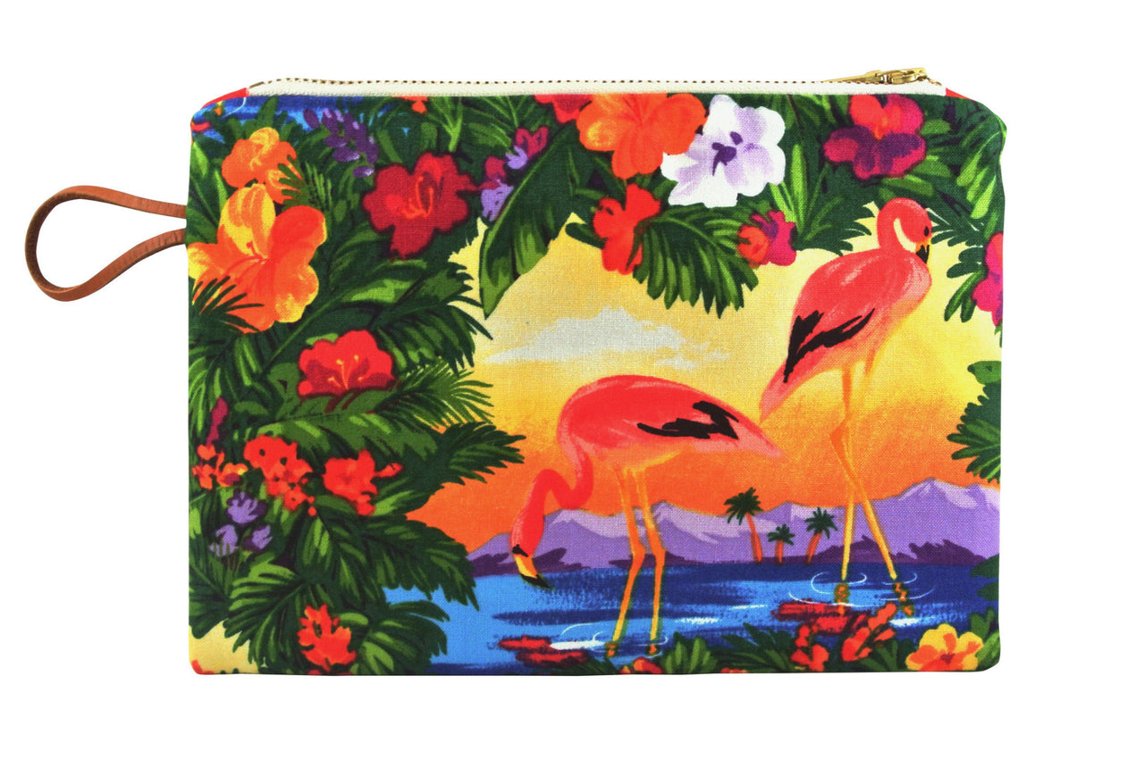 Ideal for make-up or organising your bag, Maison Baluchon small case is a handmade fashion accessories made in France in the pure tradition. | colour:Pink Flamingos