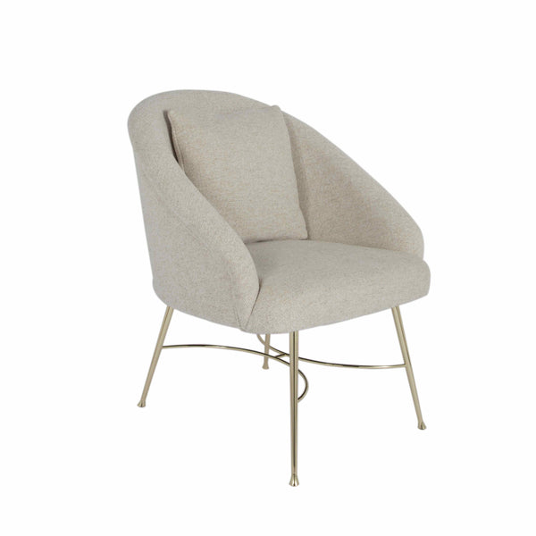 Maison Sarah Lavoine Margot chair is a classic piece of furniture: soft curvy shape and cream bouclette fabric, this chair makes for a comfortable seat. It is all about simplicity and elegance with a vintage twist.