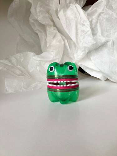 MONSTER PET Bottle Purse Pinky Pink