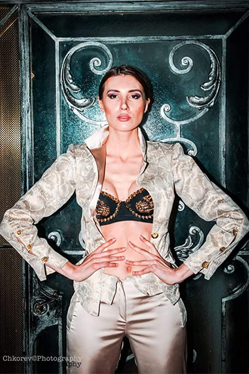 Gold Brocade Jacket and Trousers 3 Pieces Set