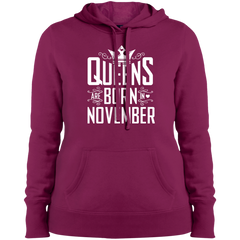 Queens Are Born In November T-shirt