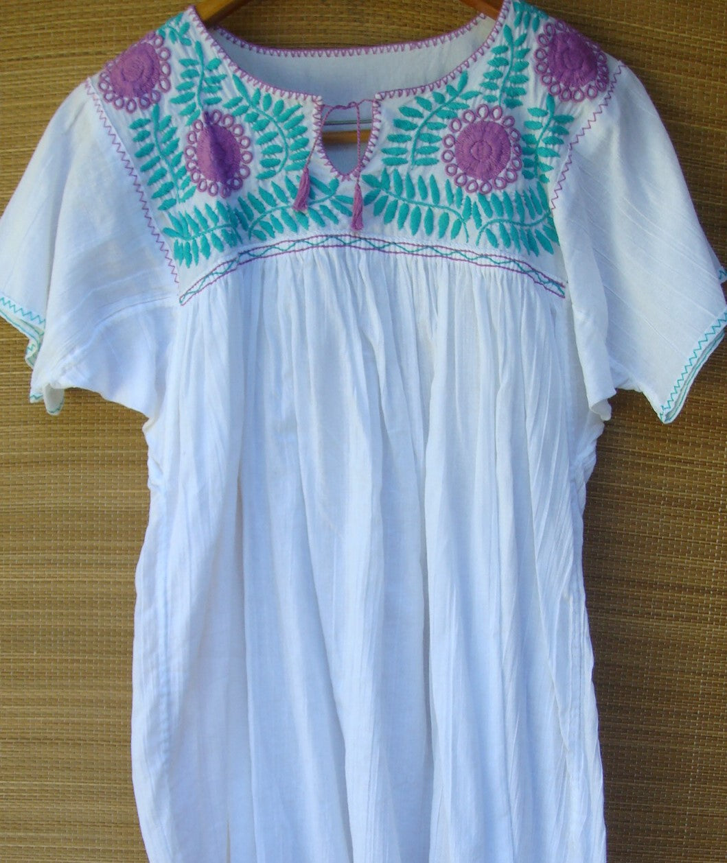 Mexican White with Purple/Green Flowers Peasant Blouse Huipil Hand Embroidery Small